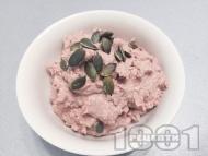 Вкусен десерт с варена елда, извара, какао и семена (тиквени семки, ленено семе)